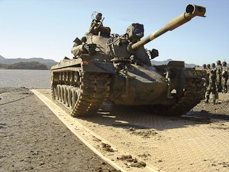 Korean_tank_cmyk 2592 x 1944 w330